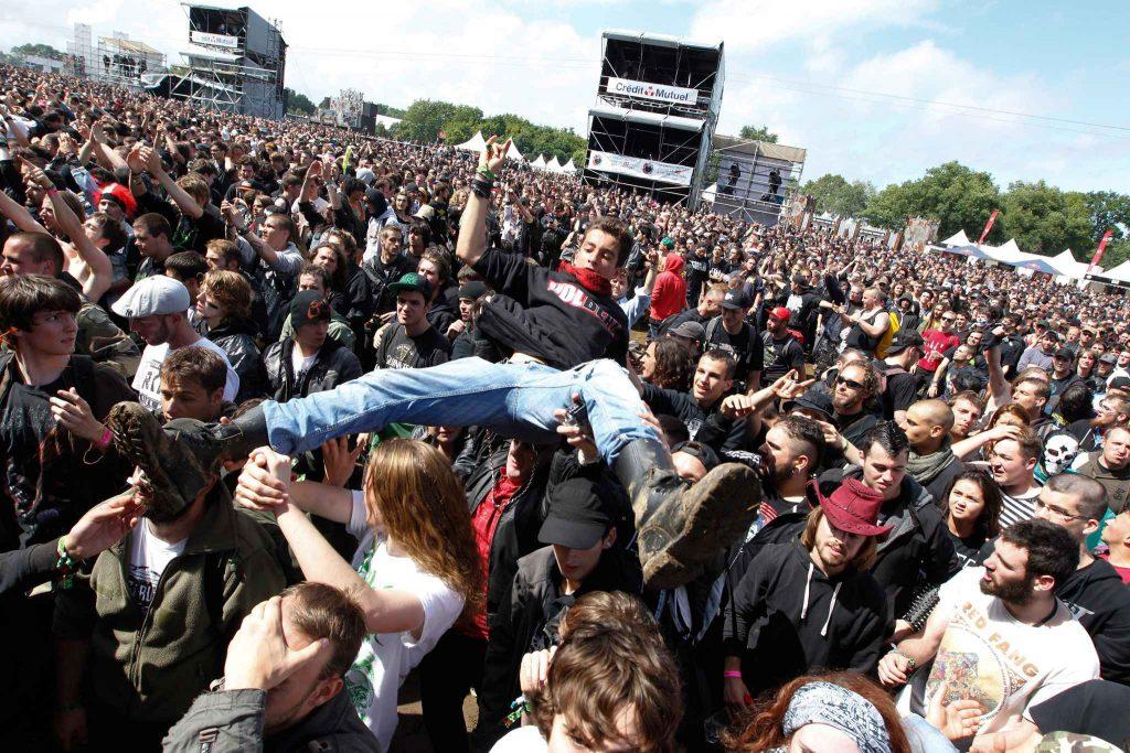 2048x1536-fit_festival-hellfest-reunit-tous-ans-dizaines-milliers-personnes-autour-musique-metal